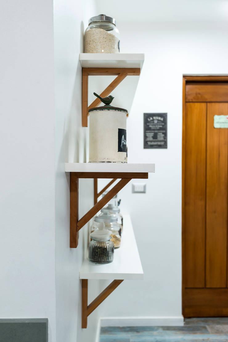 REMODELACIÓN CASA LOS CASTORES: Cocinas de estilo  por Grupo E Arquitectura y construcción