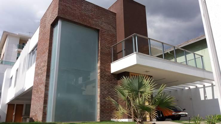 Casas de estilo  por Monica Guerra Arquitetura e Interiores