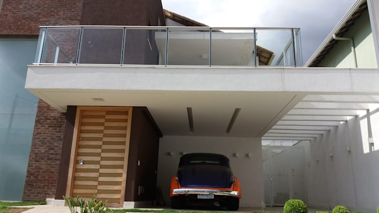 Casas de estilo moderno por Monica Guerra Arquitetura e Interiores