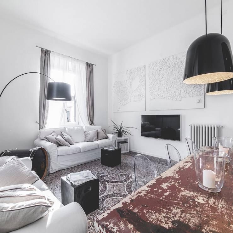 modern Living room by MODO Architettura