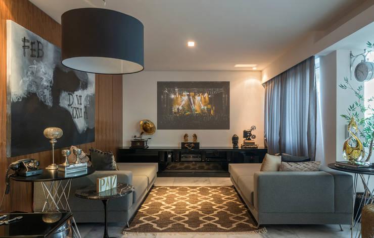 Cobertura Sion: Salas de estar  por Andréa Buratto Arquitetura & Decoração