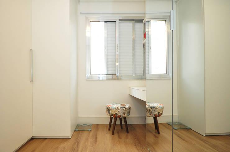 غرفة الملابس تنفيذ Condecorar Arquitetura e Interiores