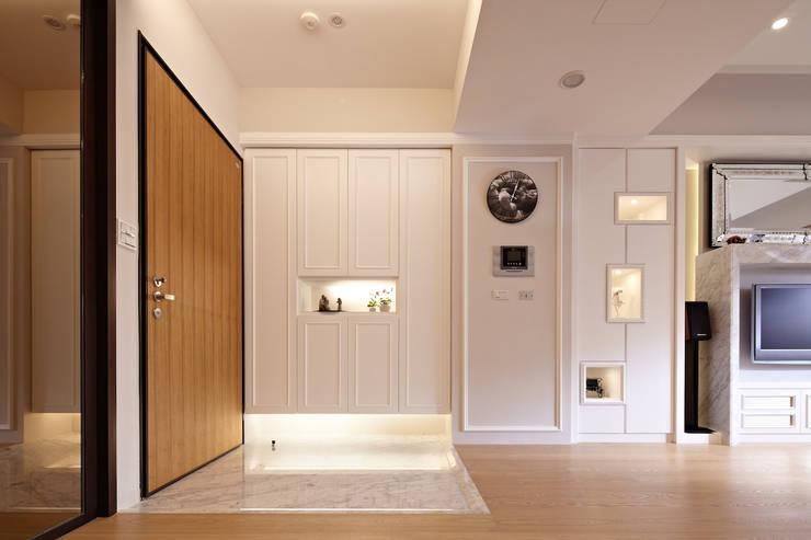 白色巧克力 white chocolate:  走廊 & 玄關 by 耀昀創意設計有限公司/Alfonso Ideas