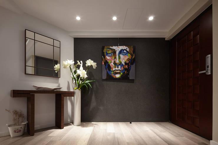 Corridor & hallway by 耀昀創意設計有限公司/Alfonso Ideas