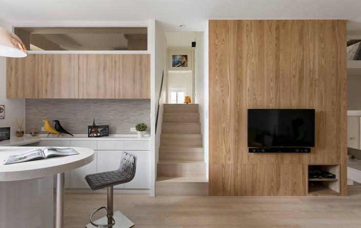家:  走廊 & 玄關 by 耀昀創意設計有限公司/Alfonso Ideas