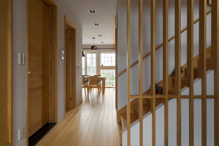 宜蘭健康屋 日式:  走廊 & 玄關 by 耀昀創意設計有限公司/Alfonso Ideas