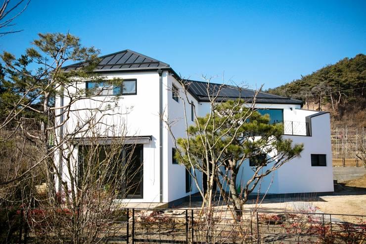 전주 단독주택 : 인우건축사사무소의  주택