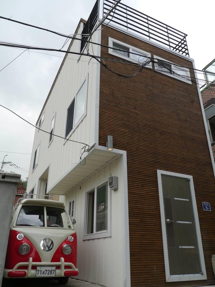 홍제동 협소주택 – H2135: 마음담은 건축의  주택,