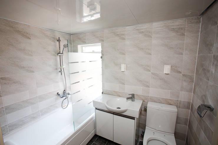 홍제동 협소주택 – H2135: 마음담은 건축의  욕실,