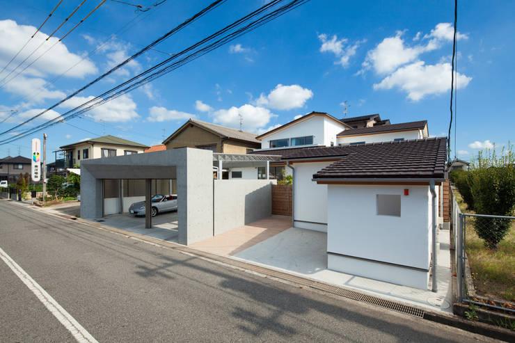 街路からの全景: 株式会社seki.designが手掛けた家です。