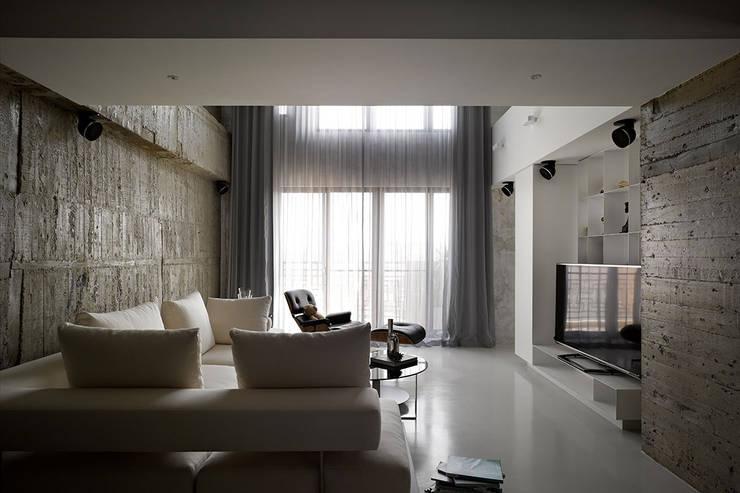 Salas de estar  por 沈志忠聯合設計