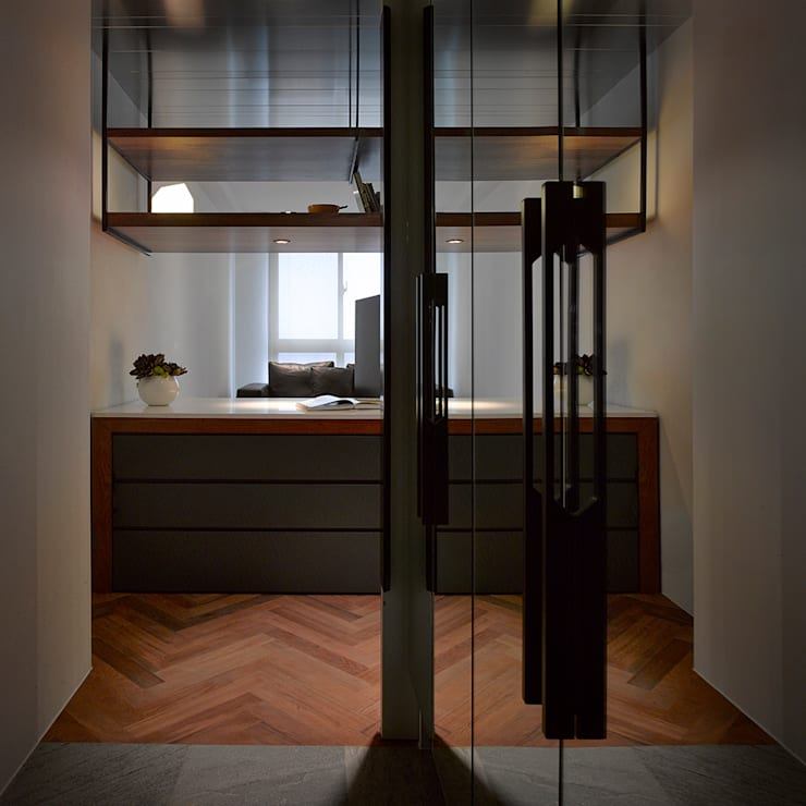 Li Residence:  走廊 & 玄關 by 沈志忠聯合設計