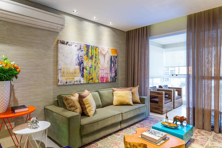 Salas / recibidores de estilo moderno por Casa 27 Arquitetura e Interiores