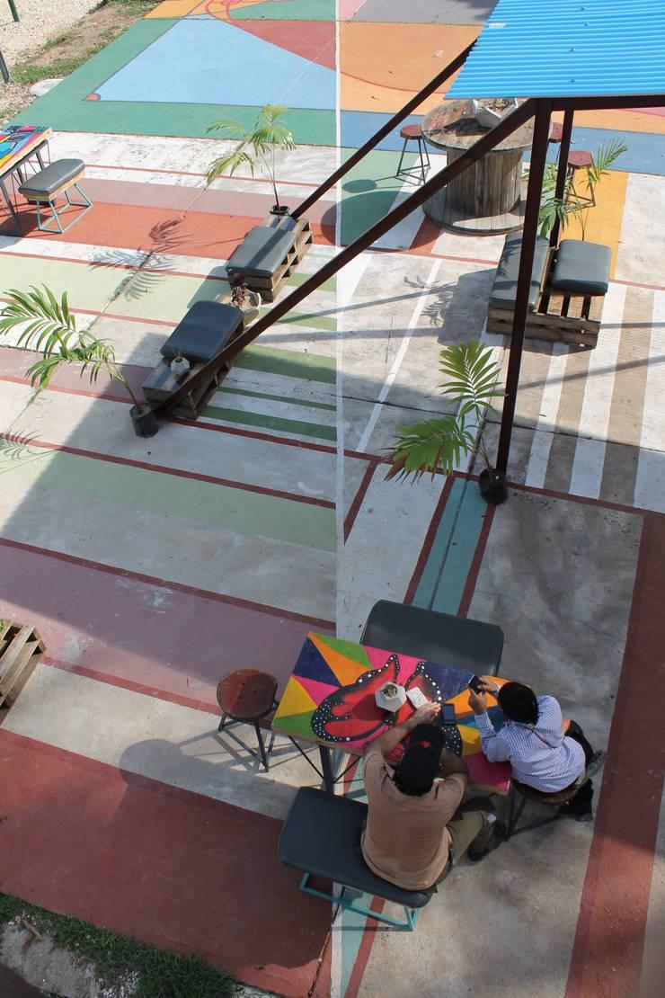 Mirador San Carlos:  de estilo  por Taller Independiente