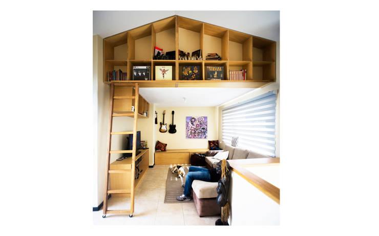 Muebles Empotrados personalizados: Estudio de estilo  por Marco Salazar Valle