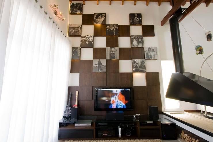 modern  by studio luchetti, Modern Wood-Plastic Composite