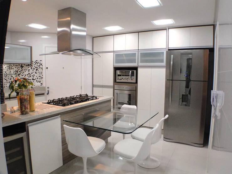 cozinha/copa: Cozinha  por studio luchetti