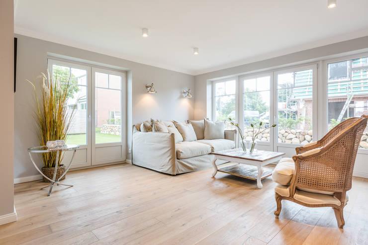 Una casa moderna arredata in modo fine ed elegante