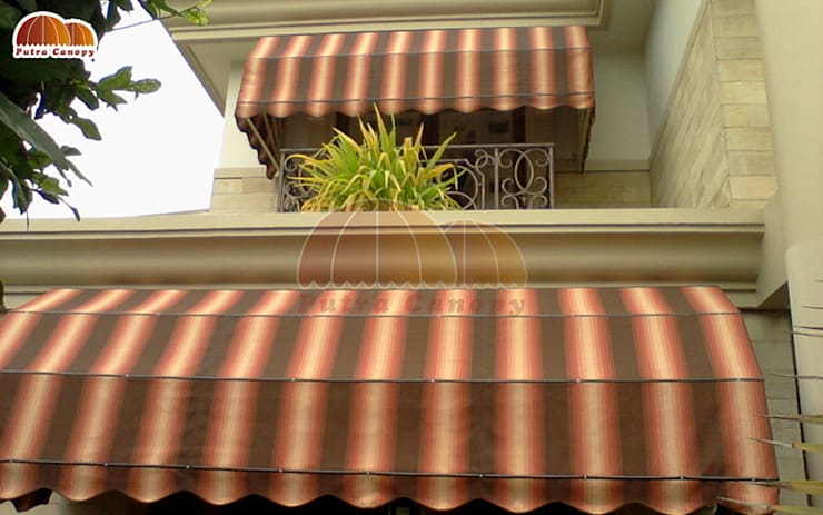 Canopy Kain Markis:  Balconies, verandas & terraces  by Putra Canopy