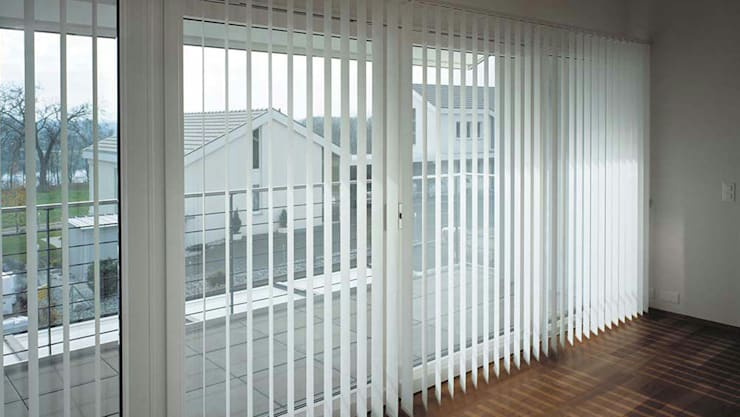 ​Vertical Blind:  Windows & doors  by Putra Canopy