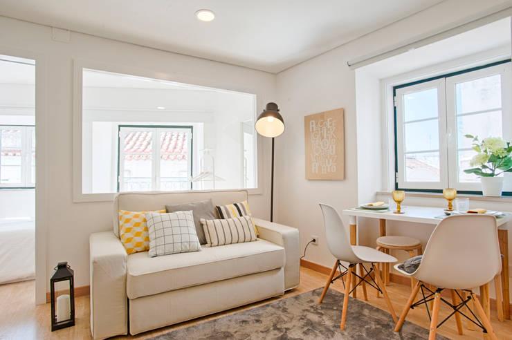 Ruang Keluarga by menta, creative architecture
