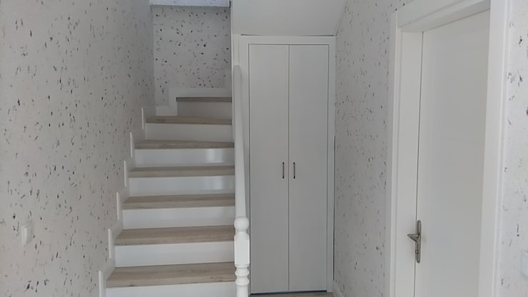 Corridor & hallway by Wöber