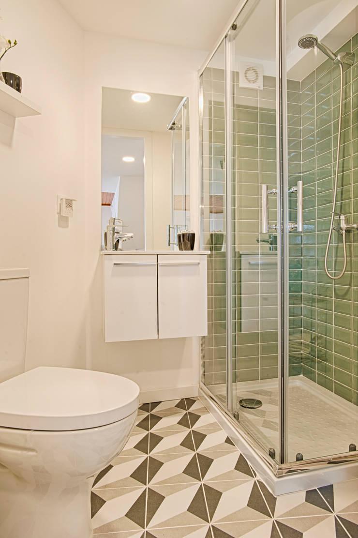 Instalação Sanitária: Casas de banho  por menta, creative architecture