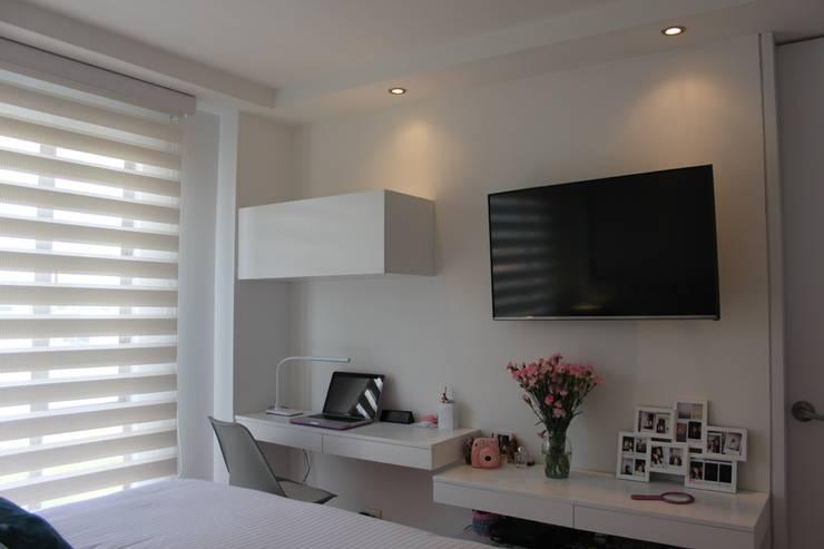 modern Bedroom by Home Reface - Diseño Interior CDMX