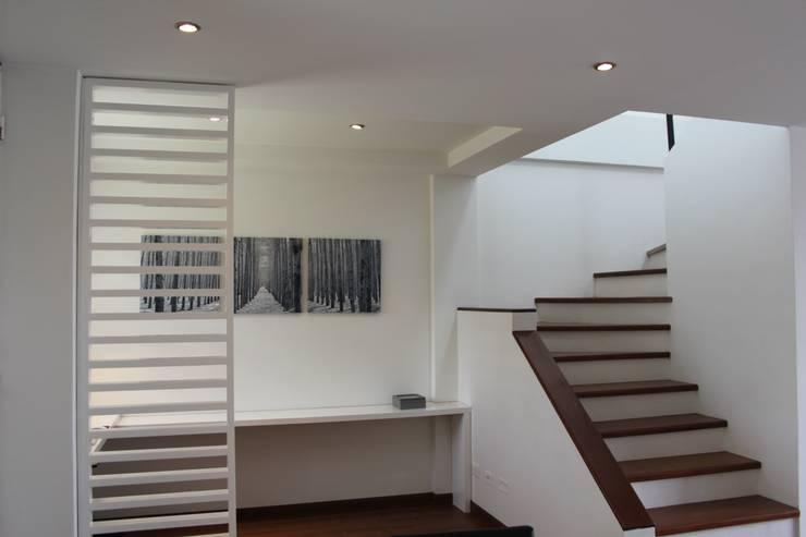 Estudios y despachos de estilo moderno por Home Reface - Diseño Interior CDMX