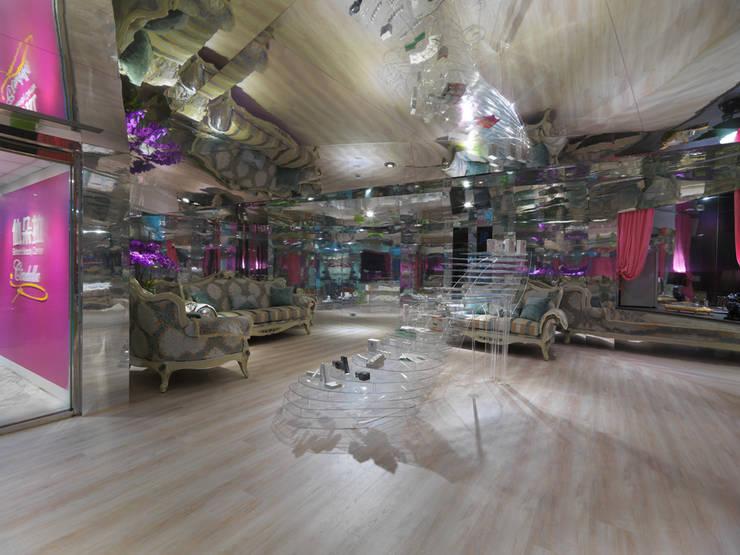 魔鏡 Mirror ! Mirror !:  商業空間 by Glocal Architecture Office (G.A.O) 吳宗憲建築師事務所/安藤國際室內裝修工程有限公司