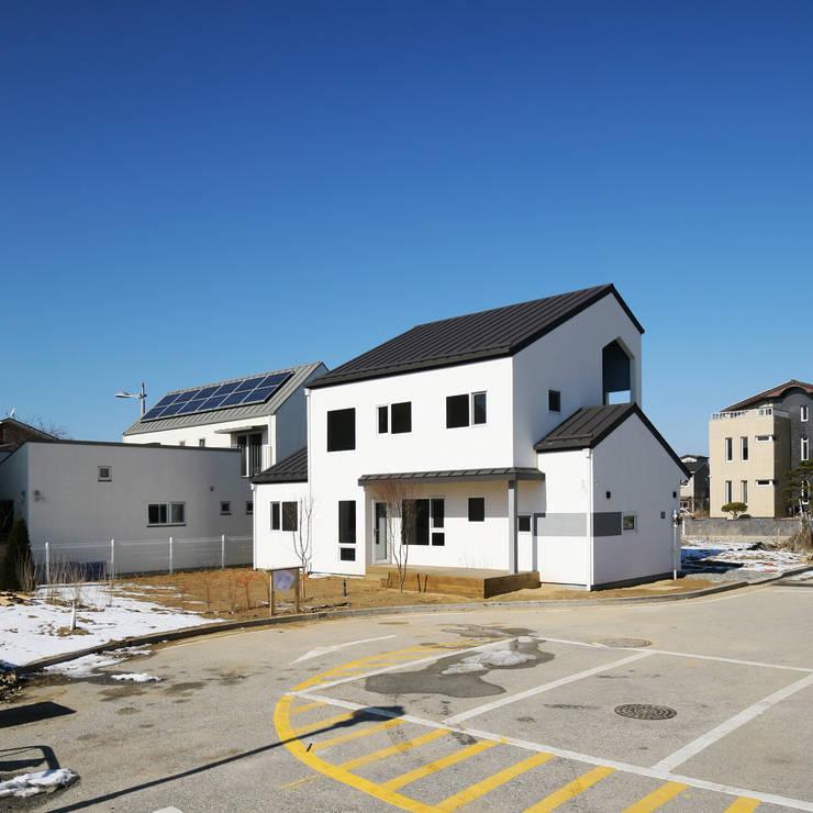 선온재: 소하  건축사사무소    SoHAA의  주택,모던