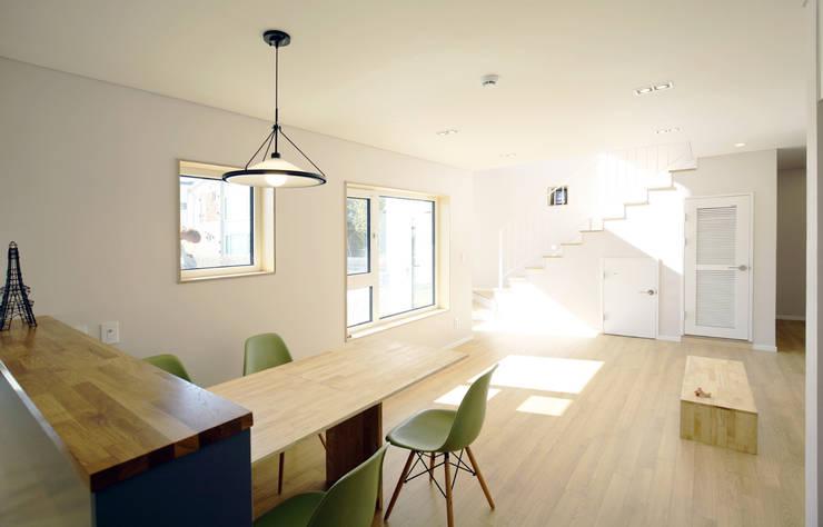 Ruang Multimedia by 소하  건축사사무소    SoHAA