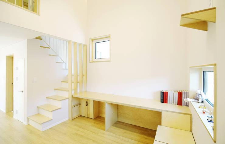Walls by 소하  건축사사무소    SoHAA
