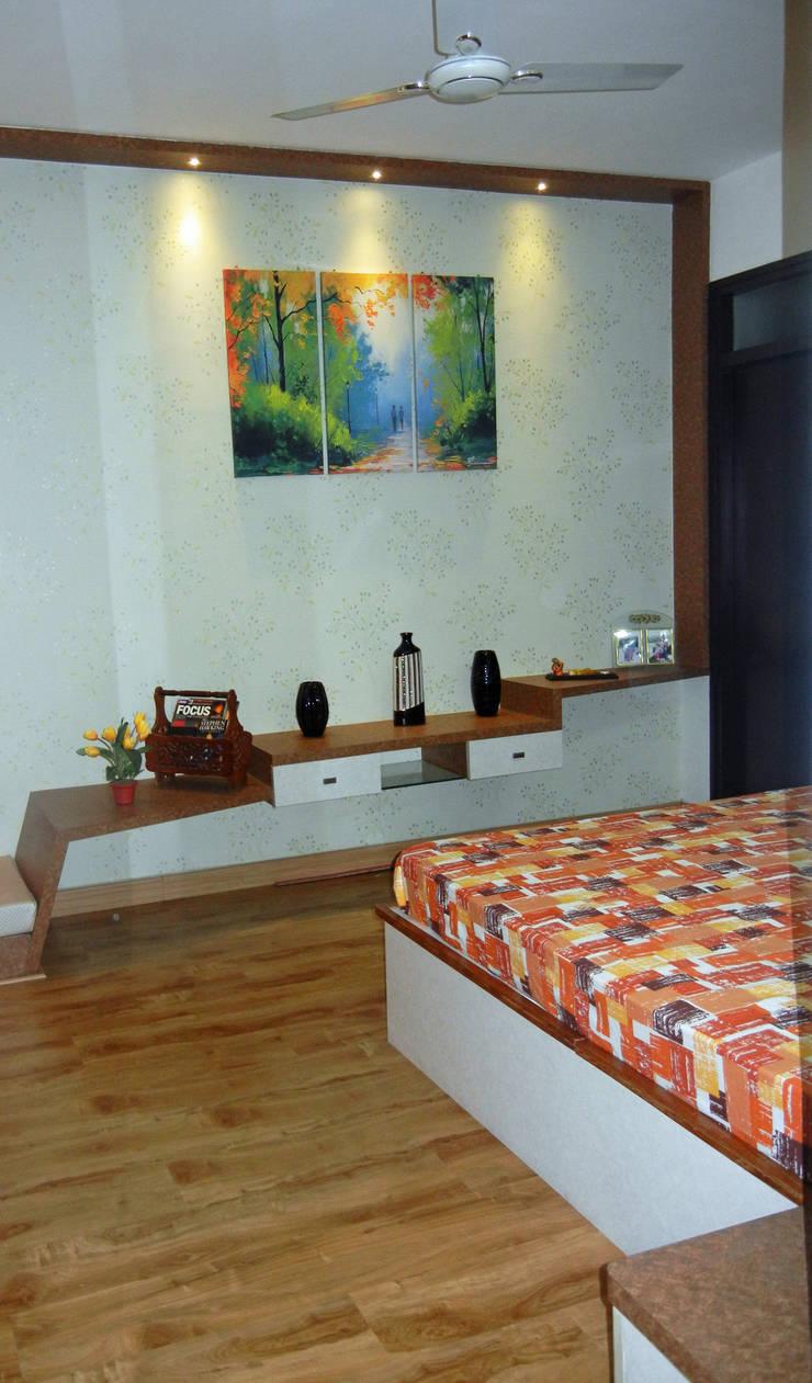 Master Bedroom : modern  by Interiors By Suniti,Modern