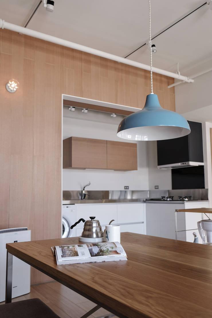 三民T邸:  廚房 by RND Inc.