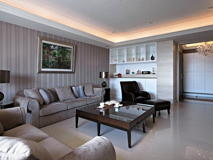 classic Living room by 世家新室內裝修公司