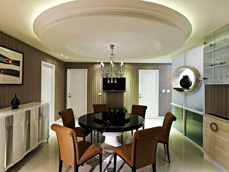 Dining room by 世家新室內裝修公司
