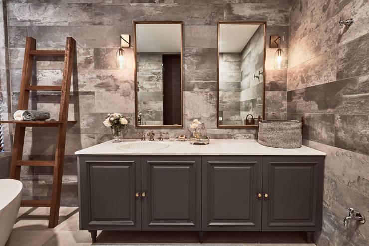 주택-강원도: Design Anche의  욕실,