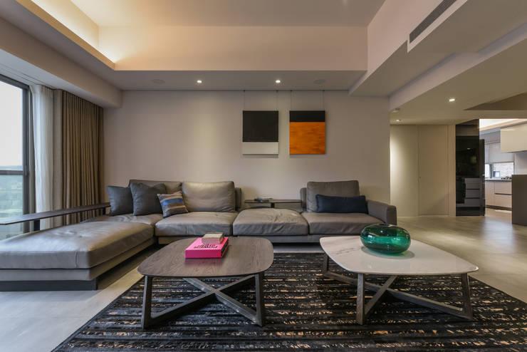 星鑽:  客廳 by 參與室內設計有限公司