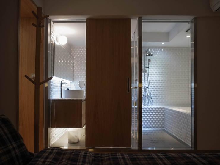 天母J邸:  浴室 by RND Inc.