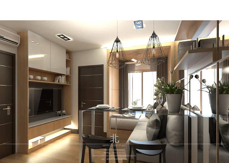 ตกแต่งภายในห้องพัก The Astra Condo:  ห้องนั่งเล่น by เหนือ ดีไซน์ สตูดิโอ (North Design Studio)