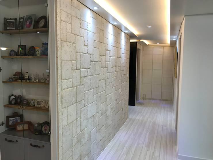 Corridor & hallway by DFactory 디팩토리