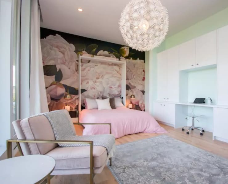 Airbnb Texas :  Bedroom by Urban Savvy Design