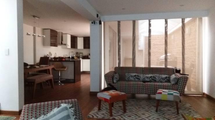 Remodelación casa Bogota : Salas de estilo  por Erick Becerra Arquitecto, Moderno
