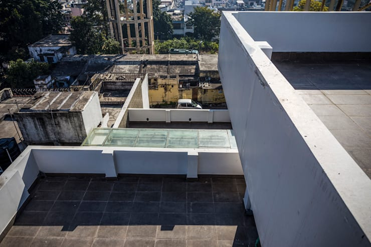 Terraces:  Terrace by Manuj Agarwal Architects
