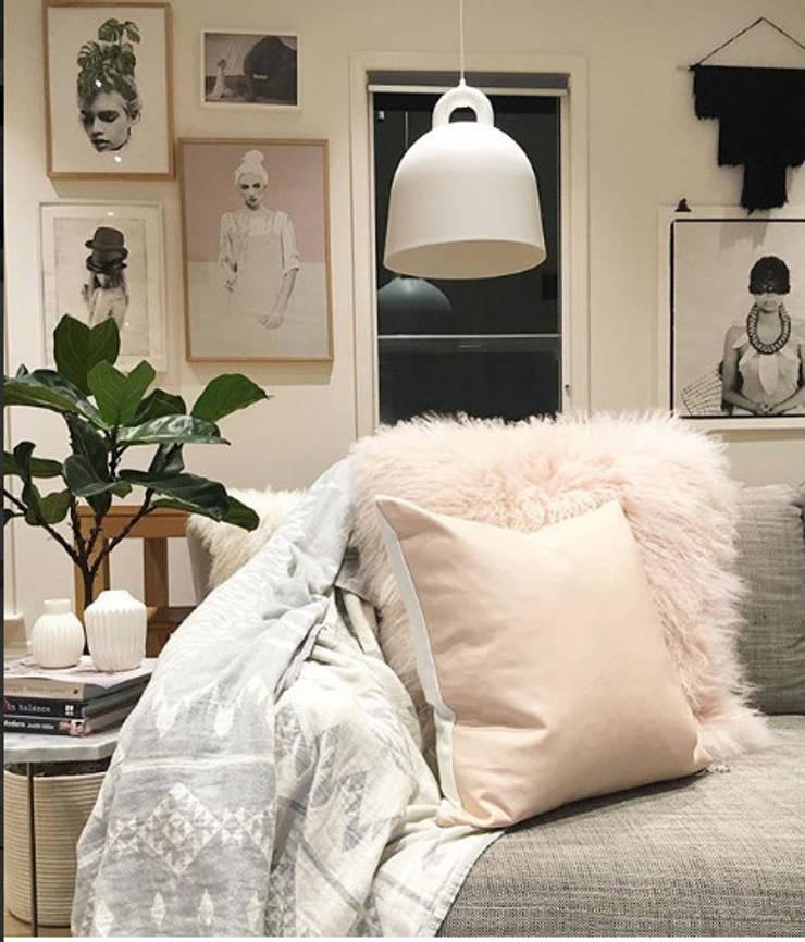 Ambientaciones de sus espacios : Hogar de estilo  por Cinza Design  Studio,