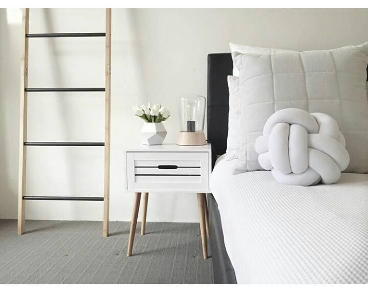 Cinza Design Studio: Dormitorios de estilo  por Cinza Design  Studio