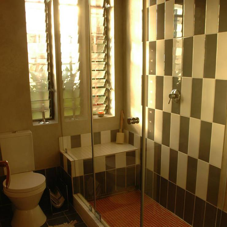 Ilkley Road:  Bathroom by Ininside