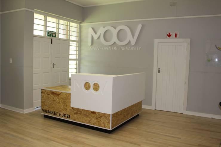 MOOV Learning Center, Westbury Library :  Schools by Ininside, Modern