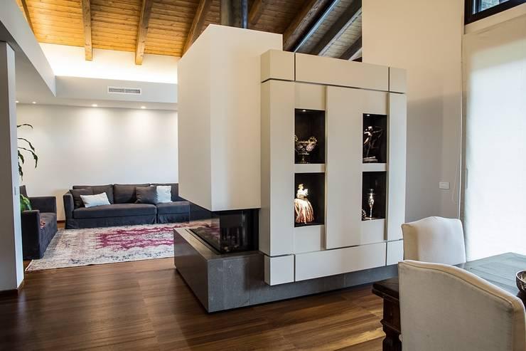 Phòng khách by Mariapia Alboni architetto